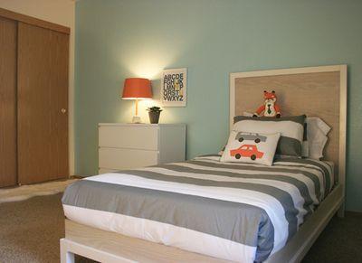 Sm_boys_bedroom_2