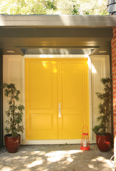 Yellow_door