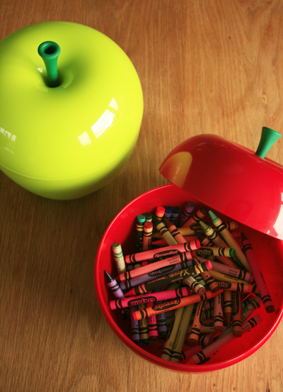 Apple_canister1