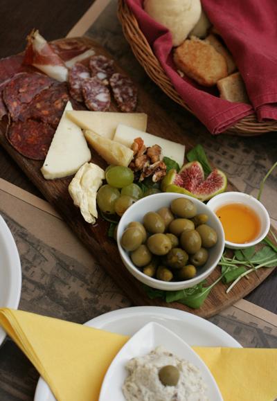 Wine_bar_loza_croatia_4