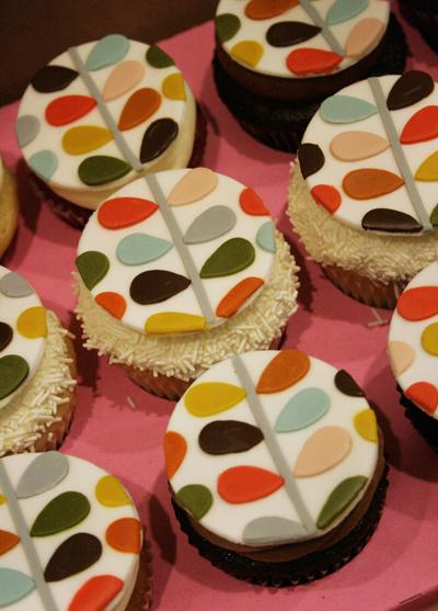 Orla_kiely_cupcake_karas_cupcakes_4