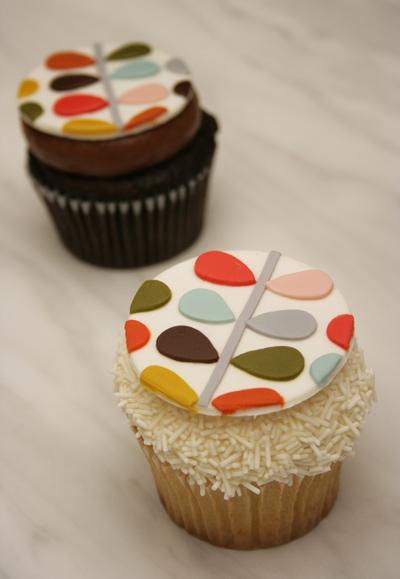 Orla_kiely_cupcake_karas_cupcakes_1
