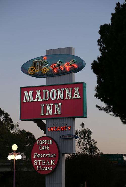 Madonna_inn_1
