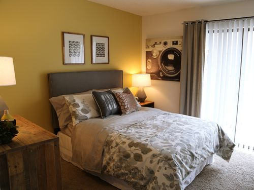 TheRidge_GuestBedroom_1_small