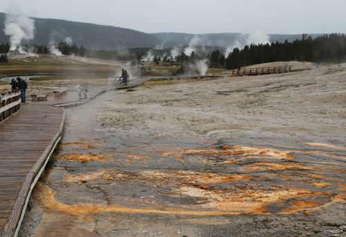 Yellowstone_geothermal_6