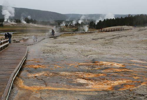 Yellowstone_geothermal_6