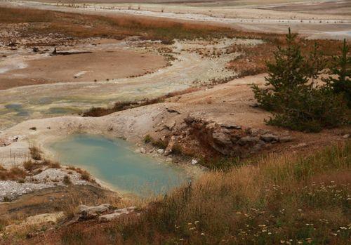 Yellowstone_geothermal_16