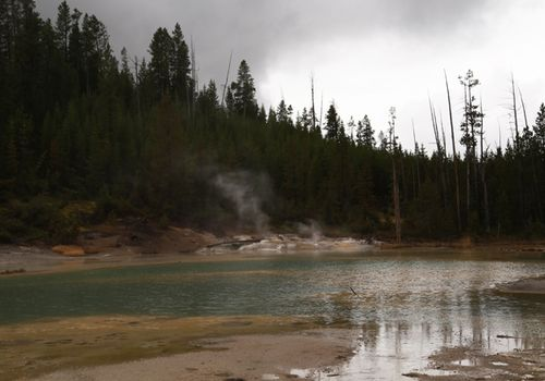Yellowstone_geothermal_21