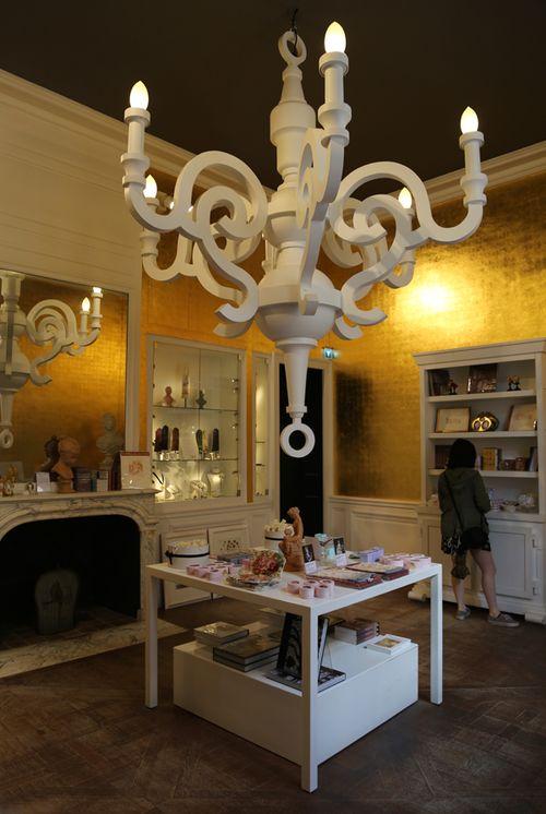 Versailles_guestservices_1