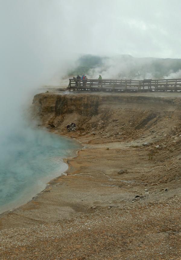 Yellowstone_geothermal_14
