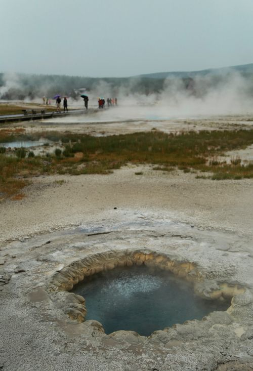 Yellowstone_geothermal_12