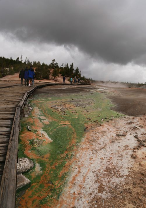 Yellowstone_geothermal_18