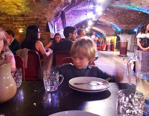 Medieval_banquet_6